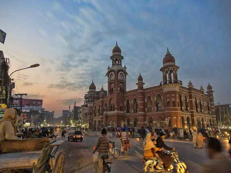 visit Multan, trip to Multan and explore shrines, city tour of Multan, visit Shrine of Shah Rukhn-e-Alam