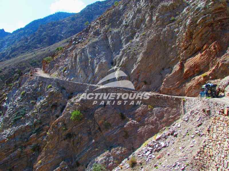 Visit Naltar Valley, jeep drive to Naltar from Gilgit, Naltar Ski Resort, skiing in Naltar, North Pakistan, Hike to Naltar Lake, mini adventure in North Pakistan
