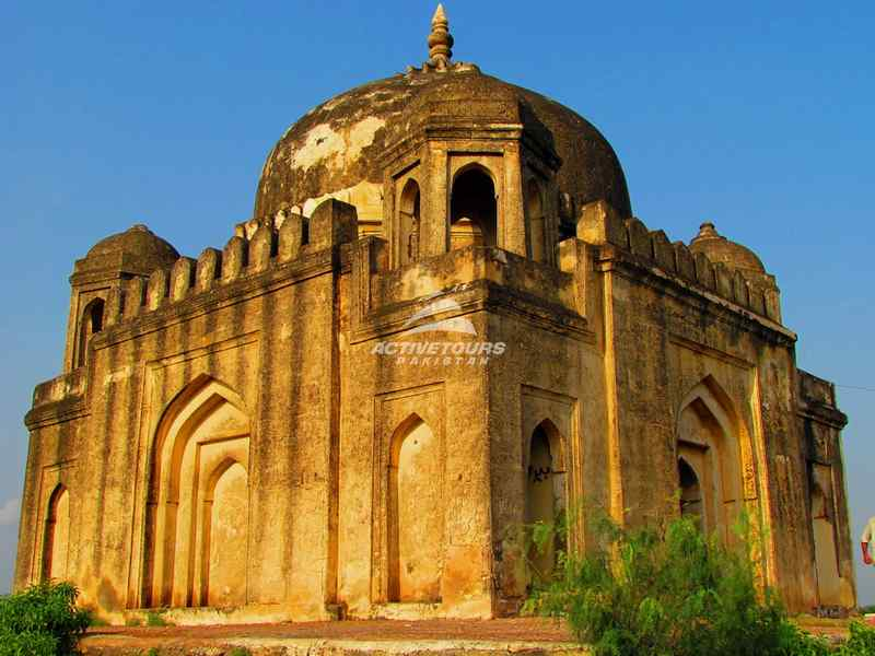 history of Nawabs of Bahawalpur, information about Bahawalpur, Palaces in Bahawalpur, bahawalpur bazaar visit, restaurants in Bahawalpur, hotel stay at Bahawalpur, hotels in Bahawapur