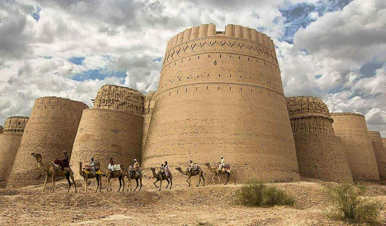 Day excursion to Cholistan