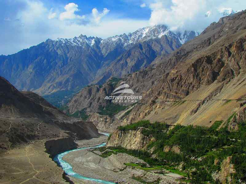 easy to difficult white water rafting in Pakistan