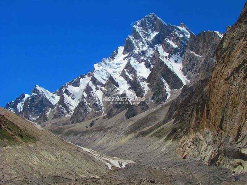 Werthum-pass-trek-hunza-valley-pakistan