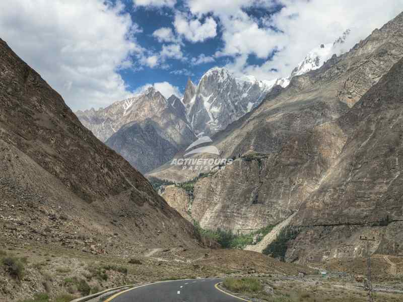 cycling from Iran to Pakistan