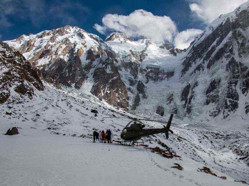 Tour of North Pakistan by Helicopter