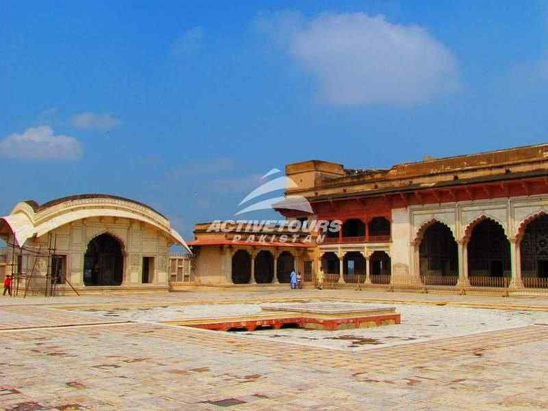 Visit Lahore Fort Mirror Palace