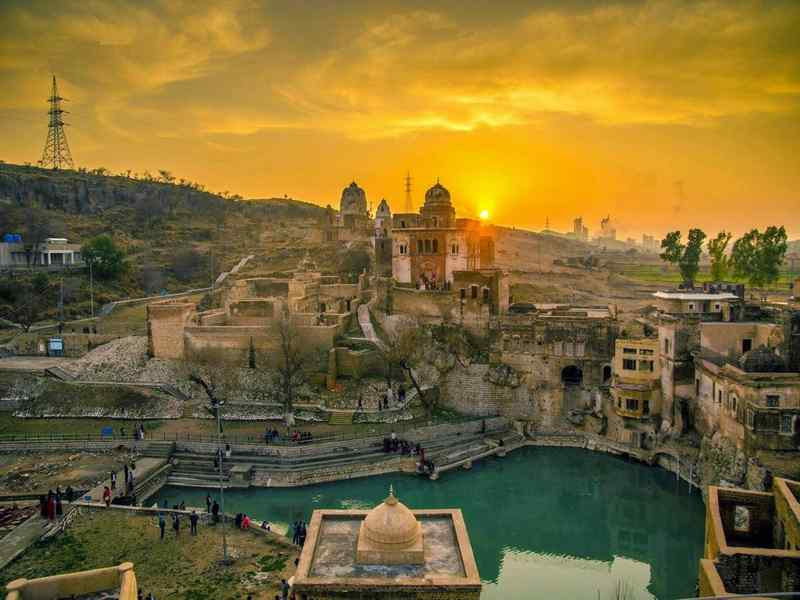 Most Famous Hindu Temples in Pakistan