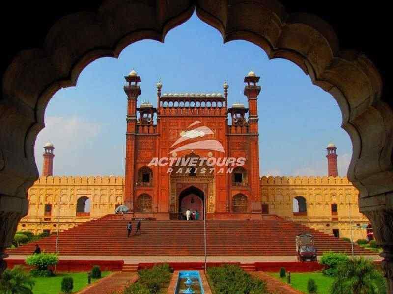 Lahore City Tour, Shrine of Lal Shahbaz Qalandar, Archaeological Site of Mehrgarh-Unesco world heritage site, shah jehan mosque, thatta, sindh, pakistan